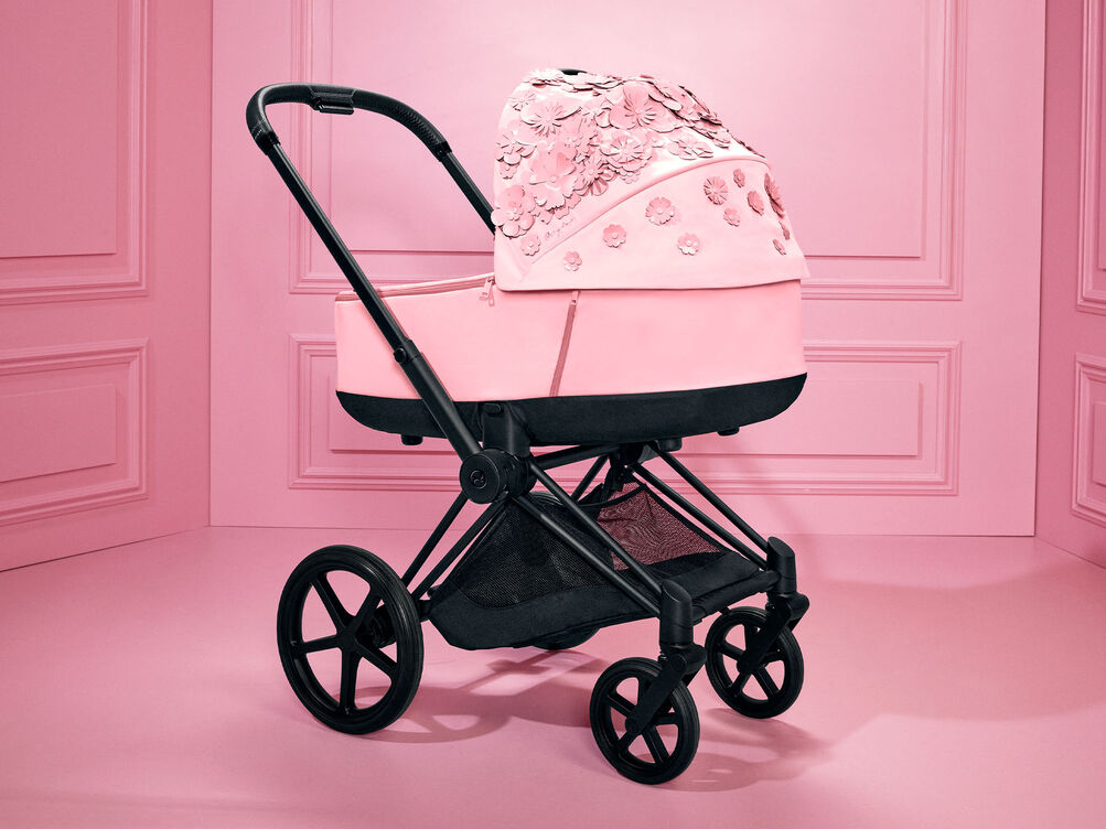 Cybex Platinum Simply Flowers Priam Lux Carry Cot on Priam Frame Stroller