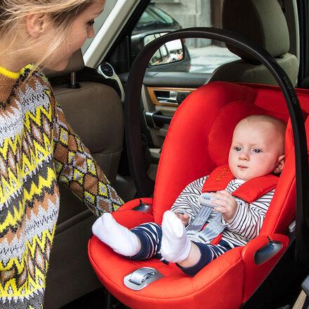 Cybex Platinum Cloud Z i-Size Kindersitze Einfach ein- und austeigen Image