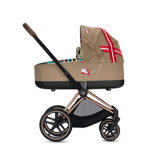 Priam Frame with Priam Lux Carry Cot