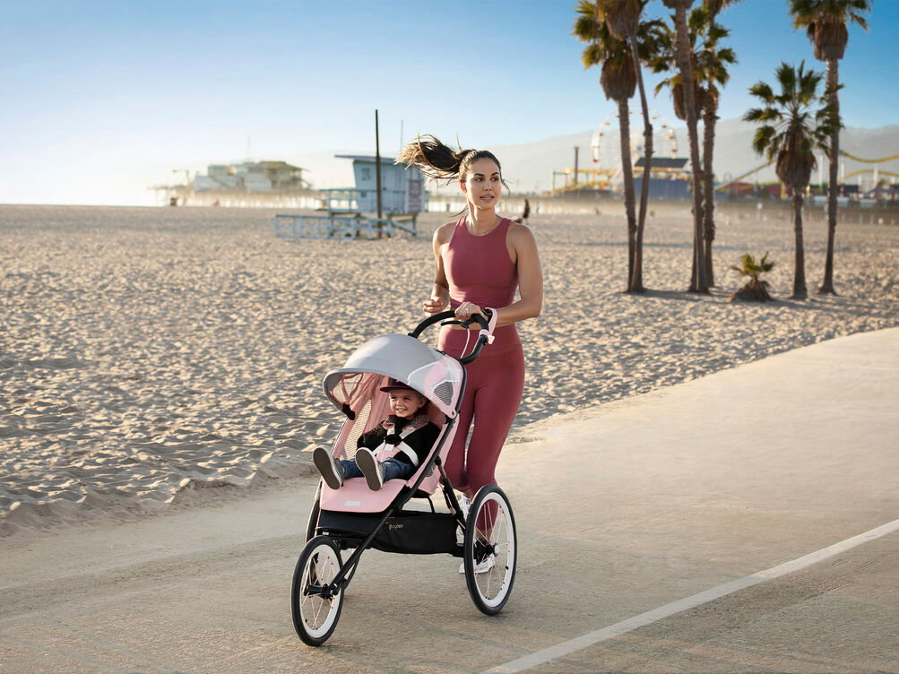 Cybex Gold Sport Avi Stroller Carousel Campaign Image