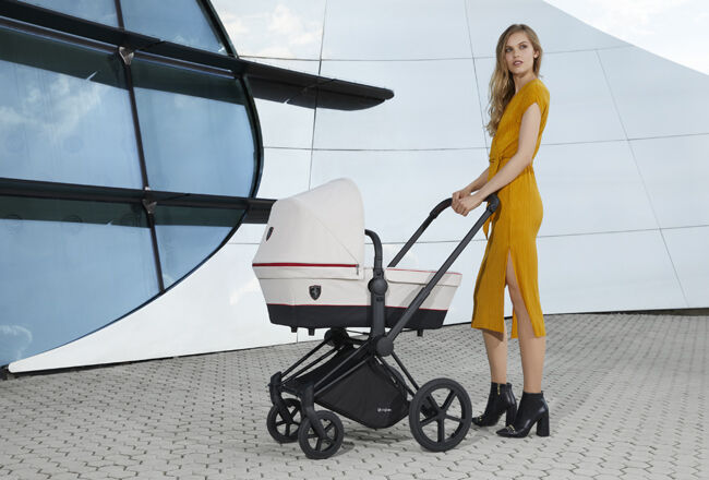 Cybex Platinum Scuderia Ferrari Collection Image