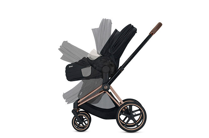 Folds with the stroller