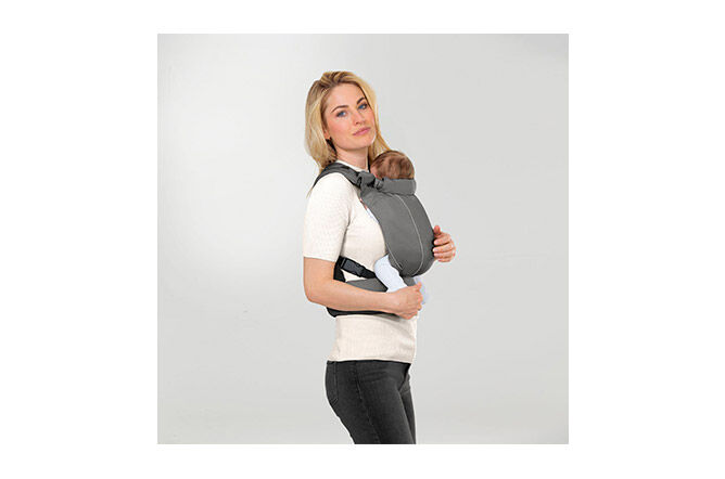 Healthy carrying from newborn to toddler (approx. 3.5 – 15 kg)